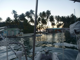 Kvelds stem.ning fra Marigot Bay
