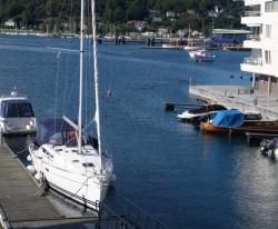 Båten i havn 2